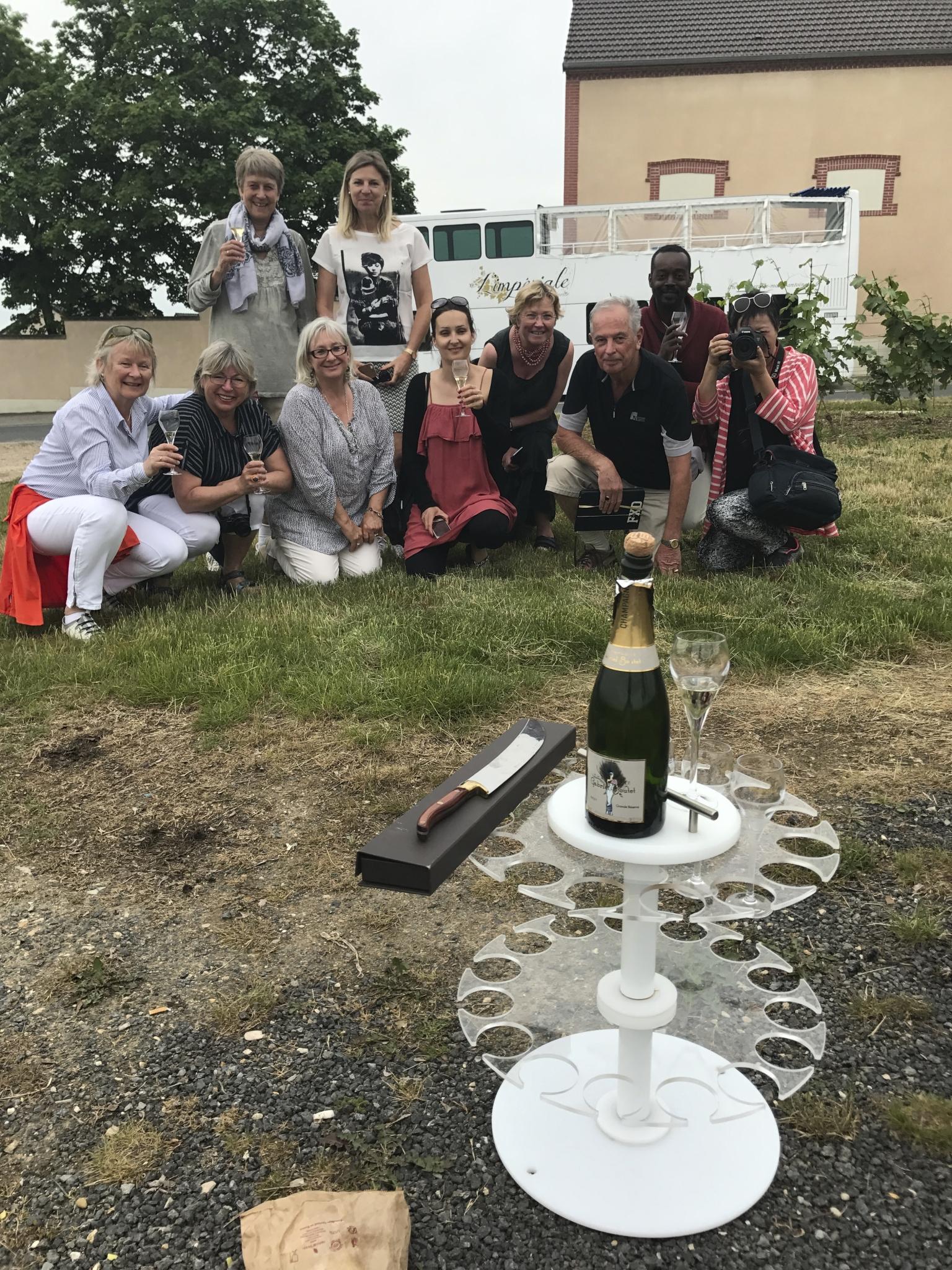 Un sabrage d'une bouteille de Champagne avec l'Impériale de Marie Antoinette à Cumières